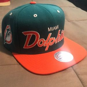 Mitchell & Ness Miami Dolphins snap back